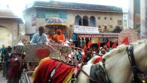 Pushkar, corteo di un raduno nazionale di pellegrini indù sostenitori del guru Maharshi.
