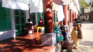 Rishikesh, Swarg Ashram. Cortile interno dell'ashram Gita Bhanean.