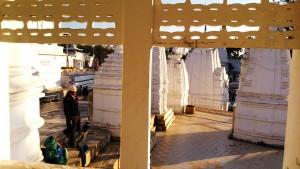 Amarkantak, 5 febbraio 2016. Pellegrini al tempio della sorgente del Narmada.