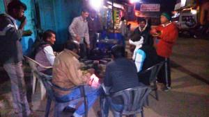 Amarkantak, 6 febbraio, sera. Intorno al fuoco.