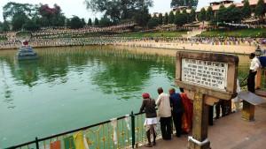 Bodhgaya, 26 febbraio 2016. Mucalinda Lake, il luogo dove il Buddha trovò riparo dalla tempesta grazie all'intervento delle creature celesti.