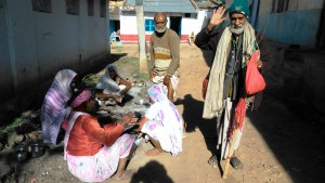 Chhattisgarh, Amarkantak, 5 febbraio 2016. Abitanti di un ashram.
