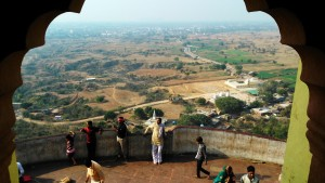 Chitrakoot, dintorni, 12 febbraio 2016. Panorama dal'Hanuman Temple.