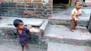 Copia (3) di Orissa, Puri, 8 gennaio 2016. Bambini del Fisher village.