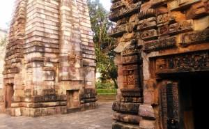 Gruppo del Baharateswara Temple.