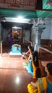 Kanyacumari, preghiera all'antico tempio di Gunganathan dedicato a Shiva.