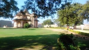 Karnataka, Hampi. Lotus Mahal, dove si riunivano, al fresco, le donne di corte.