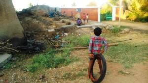 Karnataka, Hampi. Villaggio di Prakash Nagara. Gioco.