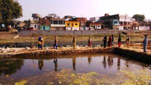 Madhia Pradesh, Chitrakoot, 11 febbraio 2016. Lavori sul fiume Mandakini.