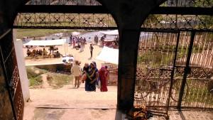 Madhia Pradesh, Chitrakoot, 13 febbraio 2016. La gradinata che porta al Glass Temple.