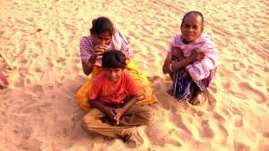 Orissa, Puri, 22 gennaio. Shubham Beach. Pidocchi.
