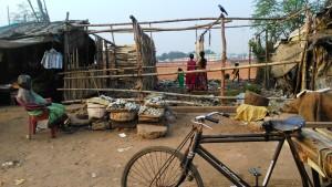 Orissa, Puri. Aspetti del villaggio dei pescatori.