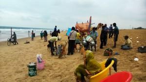 Orissa, Puri. La spiaggia Est in un giorno di vento.