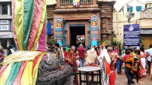 Orissa, Puri. L'entrata al Jagannath Madir, XII secolo. I non induisti non possono accedere.