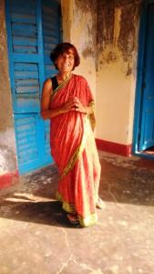 Orissa, puri, 9 gennaio 2016. Indossando il sari.