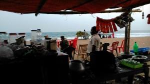 Puri, 26 gennaio 2016, verso sera. Vista dalla tea-stall sulla spiaggia.