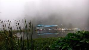 Tamil Nadu, Kodaikanal. Il lago durante un perido di pioggia.