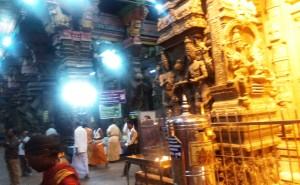 Tamil Nadu, Madurai. Interno del Sri Meenakshi Temple.Progettato nel XVI sec.La sua storia risale a 2000 anni prima.