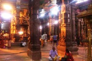 Tamil Nadu, Madurai. Mattina all'interno del Sri Meenakshi Temple.