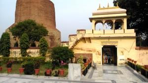 Tempio e stupa2