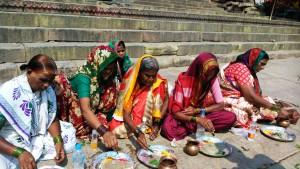 Varanasi, 10 marzo 2016. Donne di Kannijakumari.