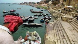 Varanasi, 13 marzo 2016. Lungo i ghat.