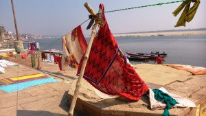 Varanasi 18 febbraio 2016. Panorama di mattina sui ghat.
