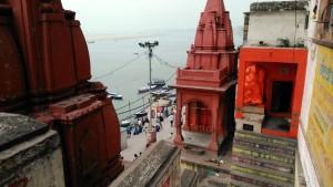 Varanasi, 27 marzo 2016. Scorcio sul Dasaswamedh Ghat.