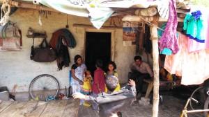 Varanasi, 3 aprile 2016. La casa e lo studio della massaggiatrice ayurveda, nei pressi dell'Assi Ghat.