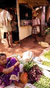Gokarna, 2 febbraio 2017. Verduraia al mercato del giovedì.