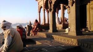 Maheswar, 23 dicembre 2016. Il Tempio della dea Narmada lungo il fiume sacro a lei dedicato.