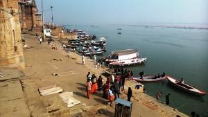Varanasi, 11 dicembre 2016. Dal Chousati Ghat sul lungo Gange.