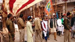 Varanasi, 12 dicembre 2016. Arrivi ai festeggiamenti per l'anniversario della nascita di Maometto.