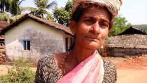 Gokarna, dintorni, 7 febbraio 2017. Abitante di Gangavali, di là del fiume.