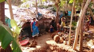 Gokarna, dintorni, 7 febbraio 2017. Abitazioni di qua del fiume Gangavali.