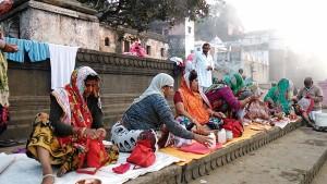 Maheshwar, 26 dicembre 2016. Rituale.