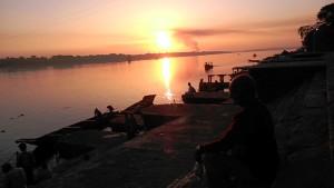 Maheshwar, 29 dicembre 2016. Tramonto sul Narmada.