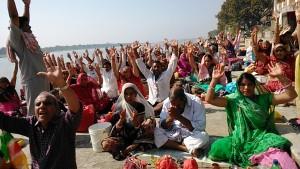 Maheshwar, 31 dicembre 2016. Rituali sui ghat.