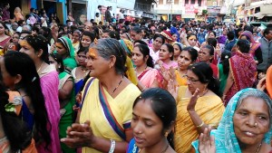 Maheshwar, 8 gennaio 2017. Corteo festival induista.