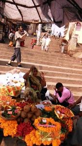 Varanasi, 18 febbraio 2017. Dasaswamedh Ghat, nella tarda mattinata.