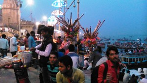 Varanasi, 19 febbraio 2017. Dasaswamedh Ghat verso sera.