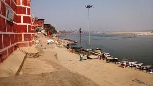 Varanasi, 2 marzo 2017. Panorama dalla scalinata del Rojal Palace.