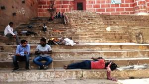 Varanasi, 22 marzo 2017. La scalinata del Rojal Palace nel primo pomeriggio.