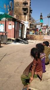 Varanasi, 25 gennaio 2017. bambini mendicanti.