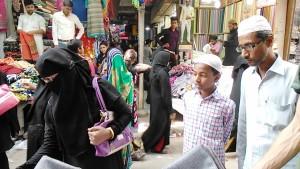 Varanasi, 26 marzo 2017. Mercato del quartiere islamico.
