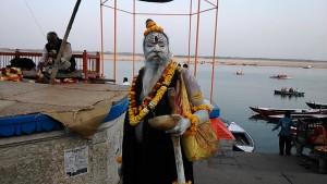 Varanasi, 3 marzo 2017. Angori baba.
