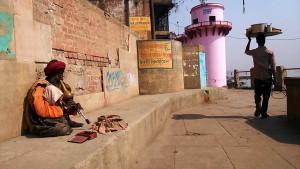 Varanasi, 3 marzo 2017. Il pifferaio.