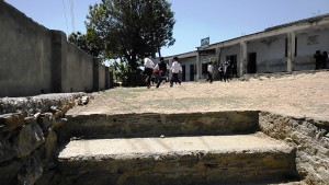 Kasar Devi, 11 aprile 2017. La ricreazione in una scuola statale.