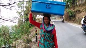 Kasar Devi, 14 aprile 2017. Incontro sulla Binsar Road.
